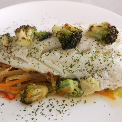 Bacalao con verduras en papiillot